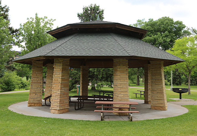 wolfe-park-east-picnic-shelter