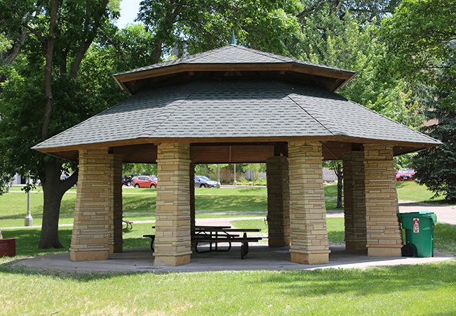 wolfe-park-west-picnic-shelter