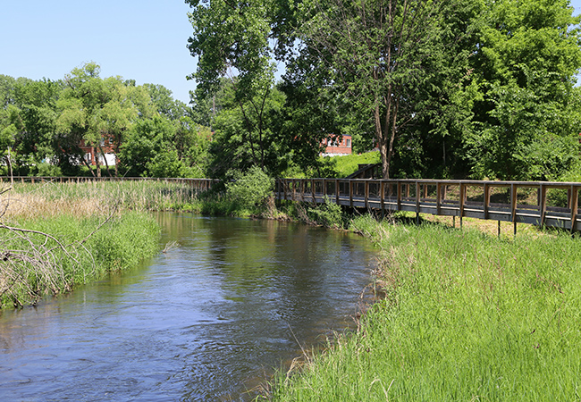 creekside-park-minnehaha-creek