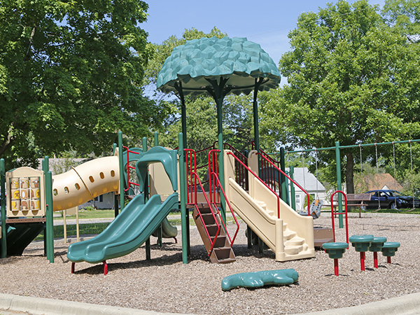 oak hill park playground